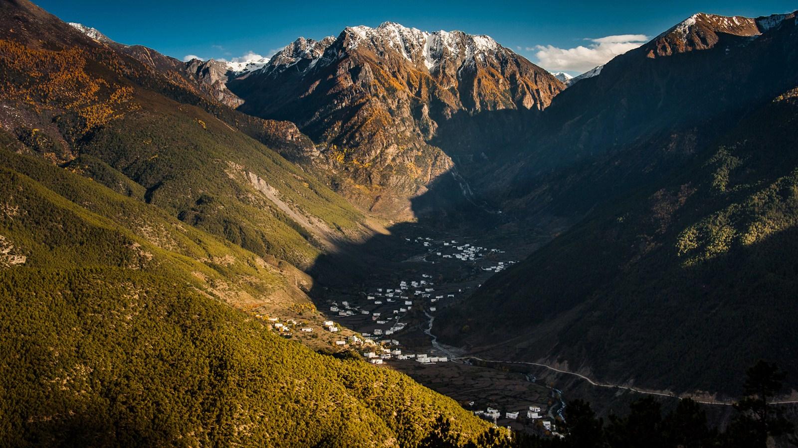高清壁纸西藏湖边风景